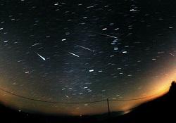Fotografia de uma chuva de meteoros
